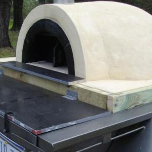 Pizza-oven-on-trailer